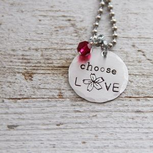 Jewelry - Choose Love 🌸 necklace